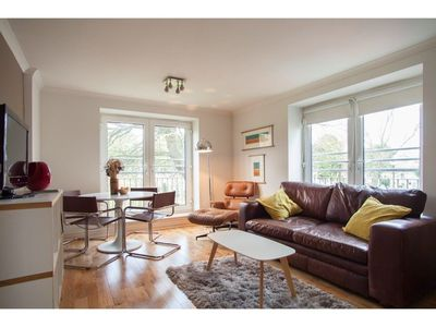 Photo for Gorgeous 2 Bed Flat in Historical Edinburgh