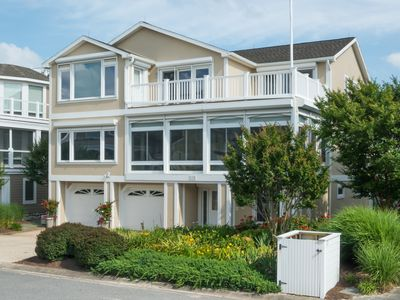 Photo for Large five bedroom home in Cape Shores!