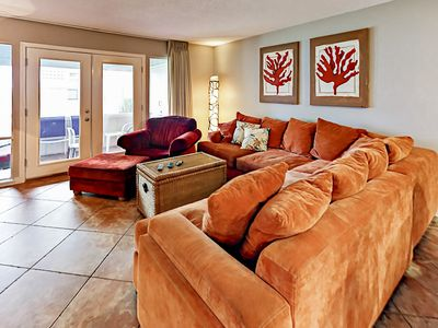 Living Room - You will find your rental spotlessly clean, thanks to TurnKey's professional housekeeping team.