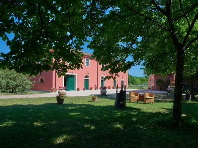 Photo for Quiet location, typical country house in the heart of Tuscany