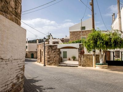 Photo for 2 bedroom Villa, sleeps 6 with Air Con, FREE WiFi and Walk to Shops