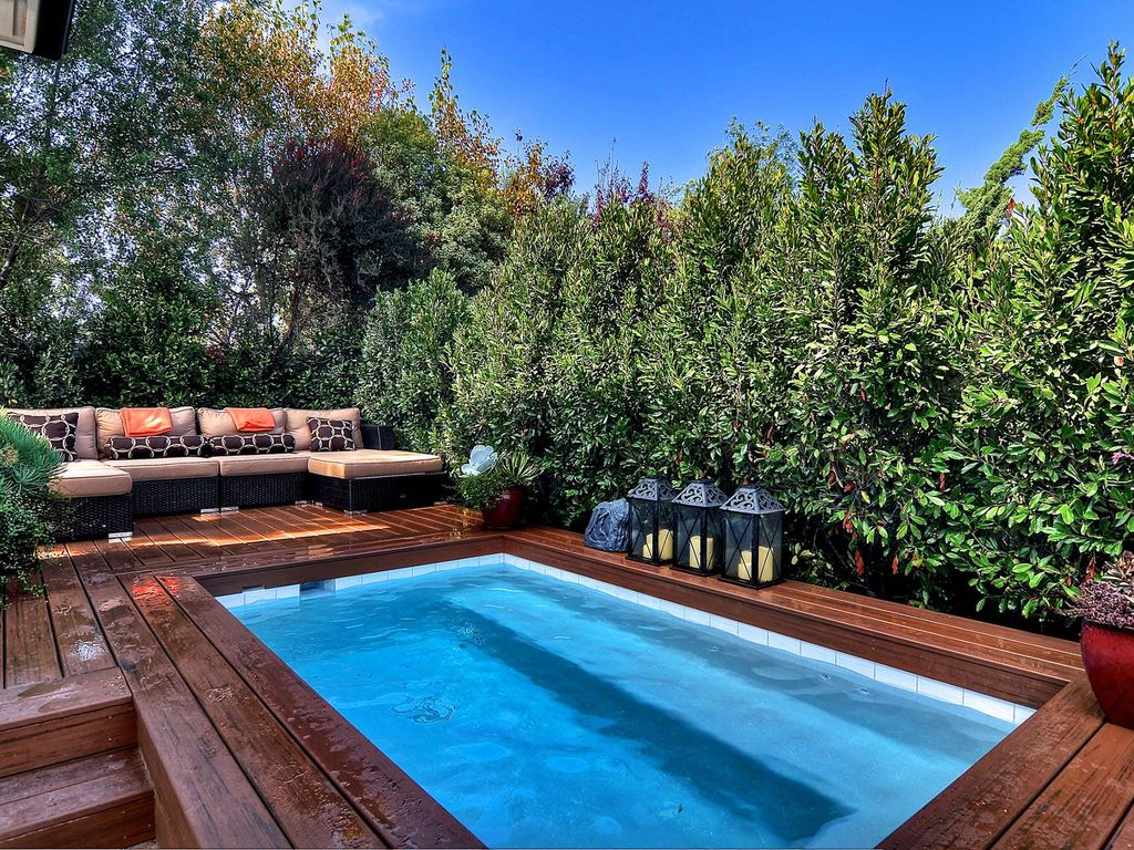 Fabulous Pool Home - Available month of August