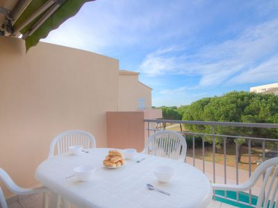 Photo for One bedroom Apartment, sleeps 4 in Le Grau-du-Roi with Pool and WiFi