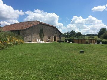 Beautifully converted barn ideal for 2/6 people couples or families,golf,cycling