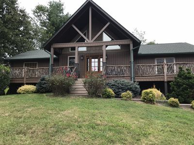 Luxury Craftsman styly home in the rolling mountians of Waynesville.