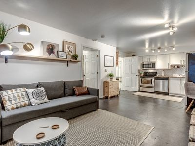 Photo for Monthly Modern 1 Bedroom With Washer Dryer