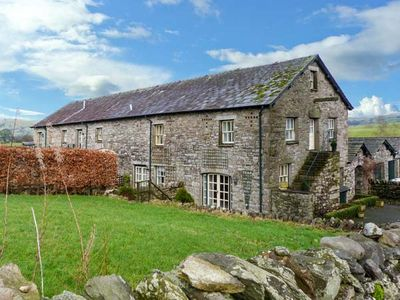 Photo for 5 THE GRANARY, family friendly, with a garden in Kendal, Ref 904994