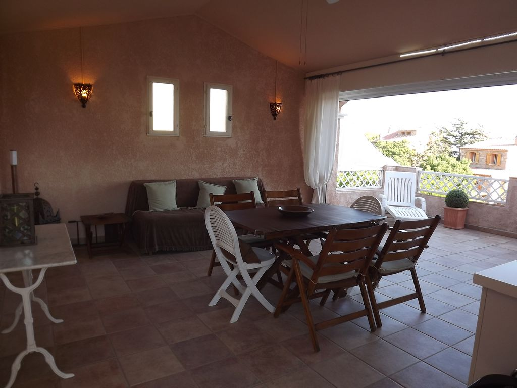 New villa, 3 bedrooms on ground closed and raised 700m2, south facing, sea view