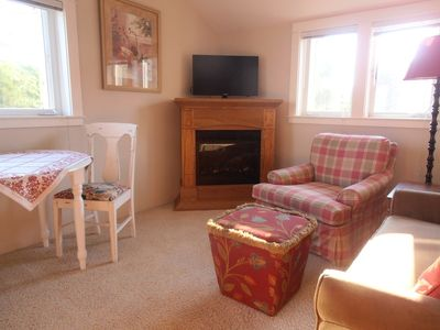 Photo for Stroll to Shakespeare - Carriage House Studio Apartment
