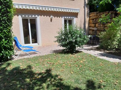 Photo for Apartment RDJ in quiet property in the countryside, near Lyon