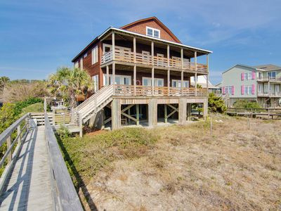 FULL RENOVATION--- The Hushpuppy House--- SLEEPS 17