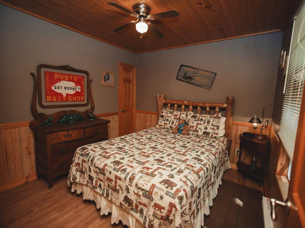 wisconsin accommodations header lake villas lakeside dells img delton cabins waterfront
