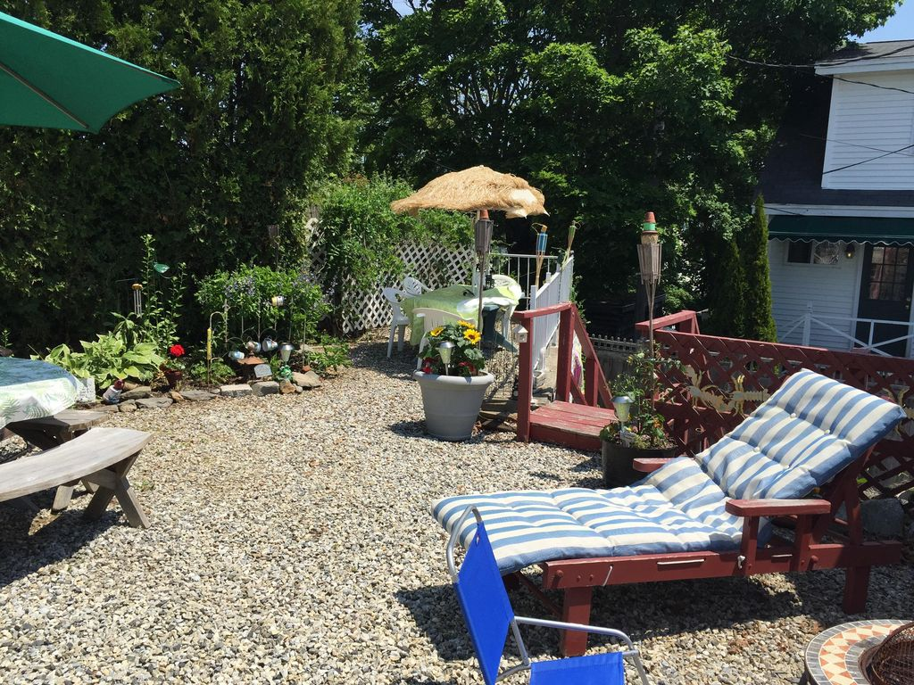 west boothbay harbor personals Ocean front home in the heart of boothbay harbor, pet friendly right on the water- hot tub- fireplace- firepit -beautiful gardens- kayaks- wifi- swim.