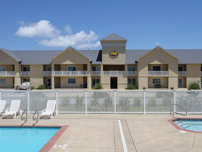 Photo for Sand Pebbles Oceanside in Hatteras w/Easy walk to beach