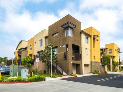 Photo for 2BR Townhome Vacation Rental in Hawthorne, California