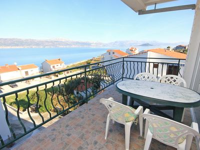 Photo for Two bedroom apartment with terrace and sea view Slatine (Čiovo)