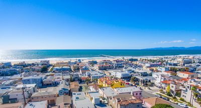 Photo for Stunning Townhome in the heart of Hermosa Beach! Walk to everything!