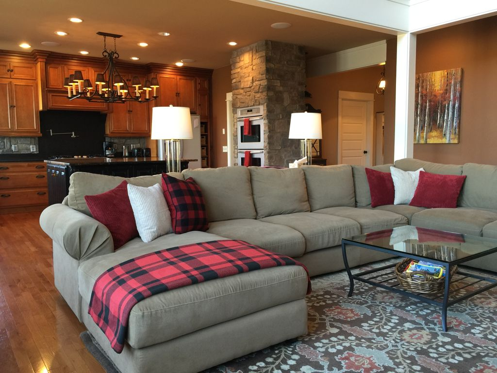Delightful Welcome To Over The Rainbow Luxury Home! Your Next Retreat In Hood River,  Oregon