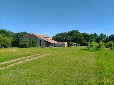 Photo for Secluded property for two. Private pool. 15 mins St Emilion. WiFi. Short sty OK.