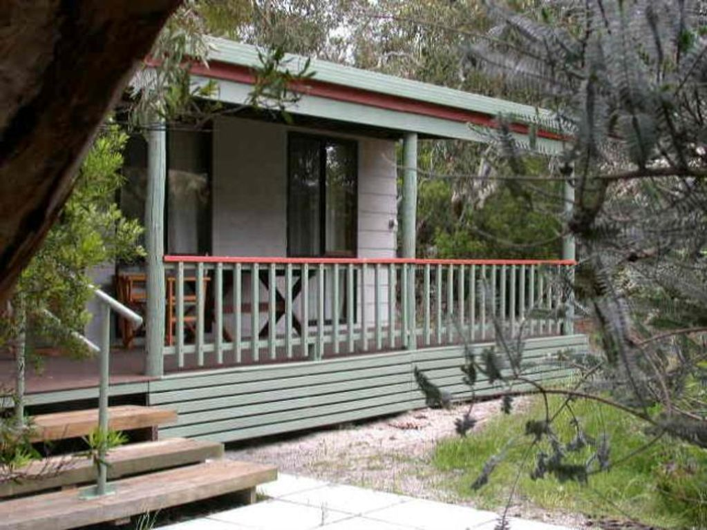 Perfect family or couple getaway. Wheelchair accessible inside and out.