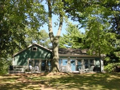 Photo for Recently Renovated Spacious 3 Bdrm Cottage on All Sport Townline Lake