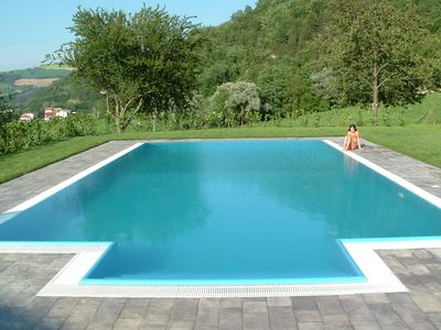 Photo for Beautiful apartment for 4 people with pool, WIFI, TV, pets allowed, panoramic view and parking