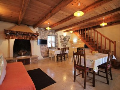 Photo for Vacation home AMBROZIO in Pula/Muntić - 6 persons, 2 bedrooms
