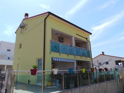 Photo for Holiday house 100m from the beach with sea views