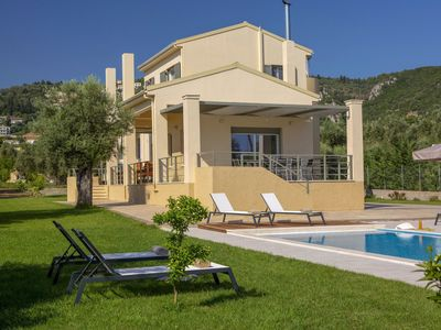 Photo for Beautiful private villa for 8 people with A/C, private pool, TV, balcony and parking