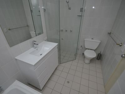 Photo for NR37CULL - 2 BEDROOM APARTMENT W PARKING, NORTH RYDE