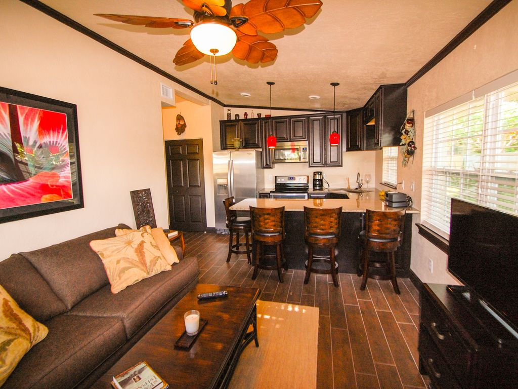 Luxurious Tahitian inspired cottage... - HomeAway Cocoa Beach