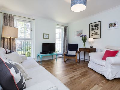 Photo for Lovely 3 bed apartment in trendy Stoke Newington, access Central London (Veeve)