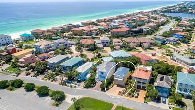 Close to Private Beach Access - Tennis Courts and Sand Volley Ball in Community