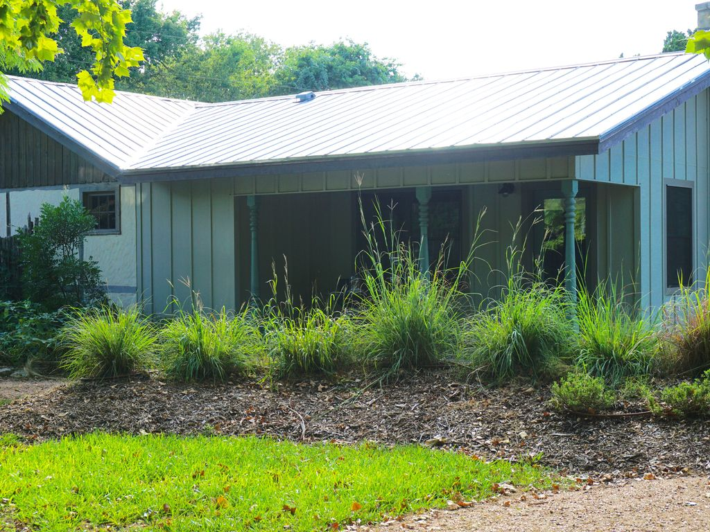 top home wimberley cottages gallery model casual texas park round exterior