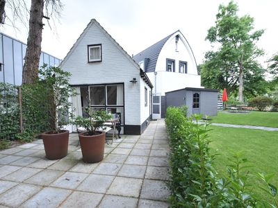 Photo for Romantic summerhouse in the heart of Bergen next to the Hertenkamp, parkingspace