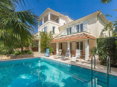 Photo for Gorgeous villa with pool and sea view surrounded by a lovely garden !