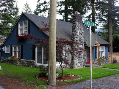 Photo for 4BR Cottage Vacation Rental in Cultus Lake, BC