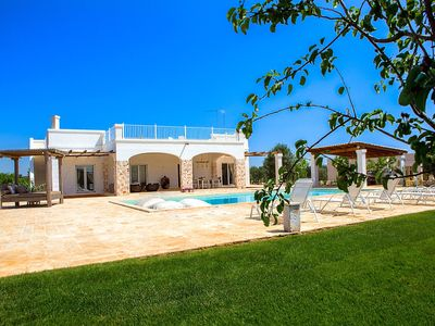 Photo for 6% DISCOUNT LAST DATES - Magnificent Villa with pool, Ostuni, Puglia [7 people]