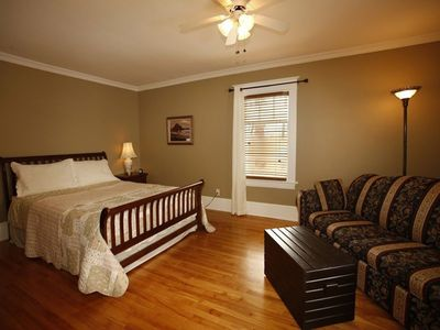 Photo for Au Virage B&B - MAGOG - South-West bedroom Triple