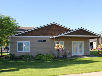 Close To Everything! Well Equipped, Centrally Located House Near Coeur D'alene.