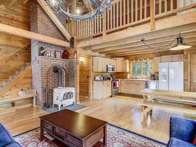 Photo for Cozy Log Cabin, 5 minutes from Stowe Village