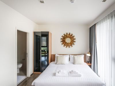 Photo for D263 - Mountain view 7th floor studio with pool & gym, central Patong