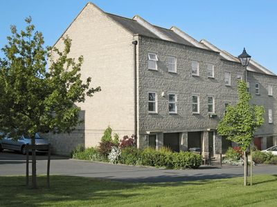 Photo for 3 bedroom property in Chipping Norton.