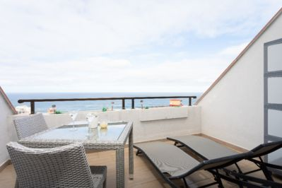 Privacy on ypur terrace in fron of the sea