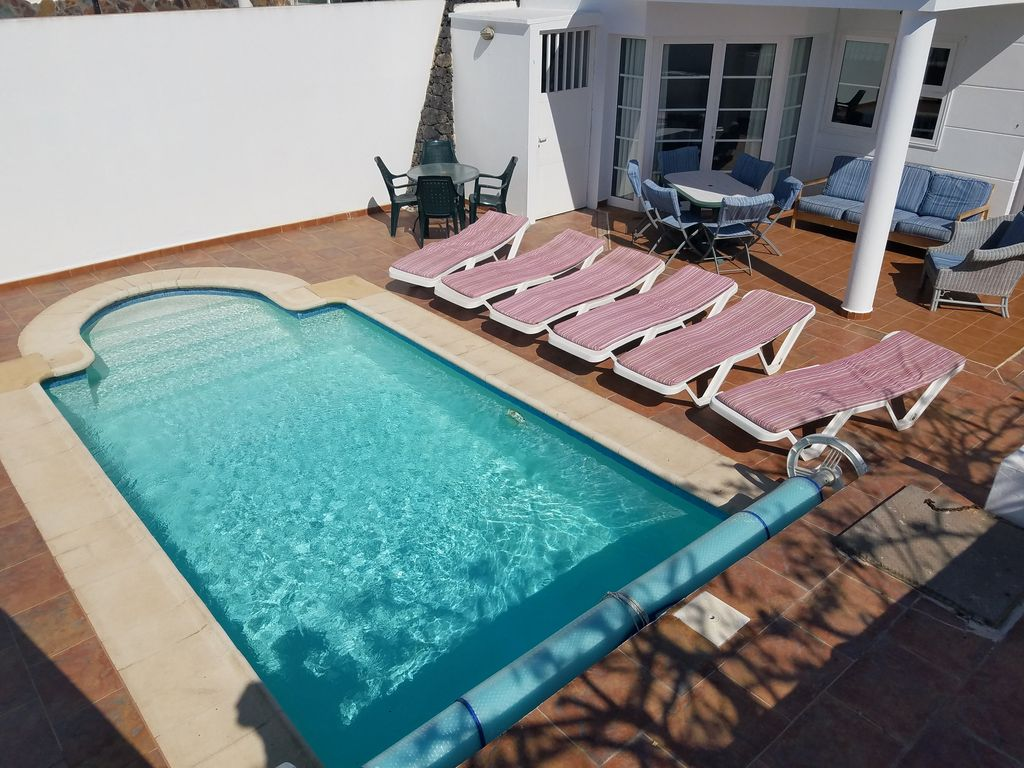 Large 4 Bedroom Villa Private Garden Heated With Swimming Pool