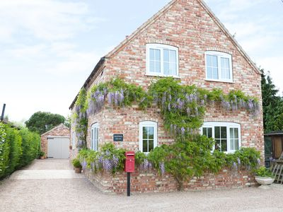 Photo for WISTERIA HOUSE, pet friendly in Lissington, Ref 974704