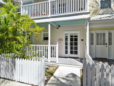 Photo for Breezy Bungalow by AT HOME IN KEY WEST