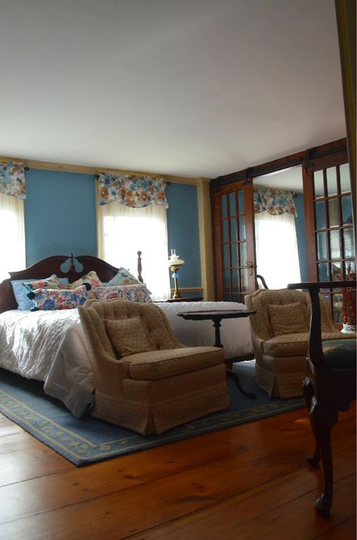 Bristol RI, Central Location, Historic Charm, Modern Touches