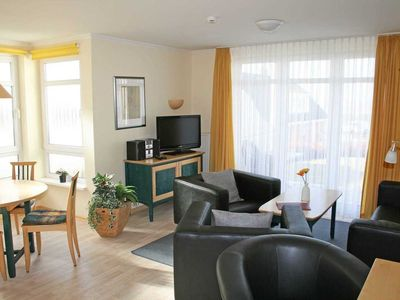 Photo for Apartment 01 3-room ground floor 4 stars - A: House Rügenscher Bodden with sea view 4 stars