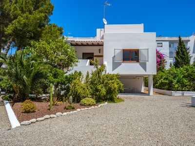 Photo for Fantastic Villa in Central Location with Pool, Wi-Fi and Air Conditioning, Pets Allowed